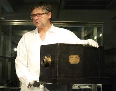 La cámara de fotos más antigua del mundo fue subastada en casi 600 mil dólares